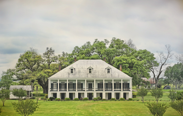St. Joseph Plantation house, view from levee